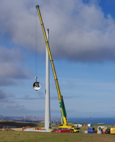 Easter Melrose T2 Nacelle Lift  Copyright © Orkney Sustainable Energy Ltd.
